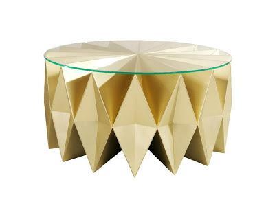 Una original mesa de centro, diseñada por los creativos de Moschino.