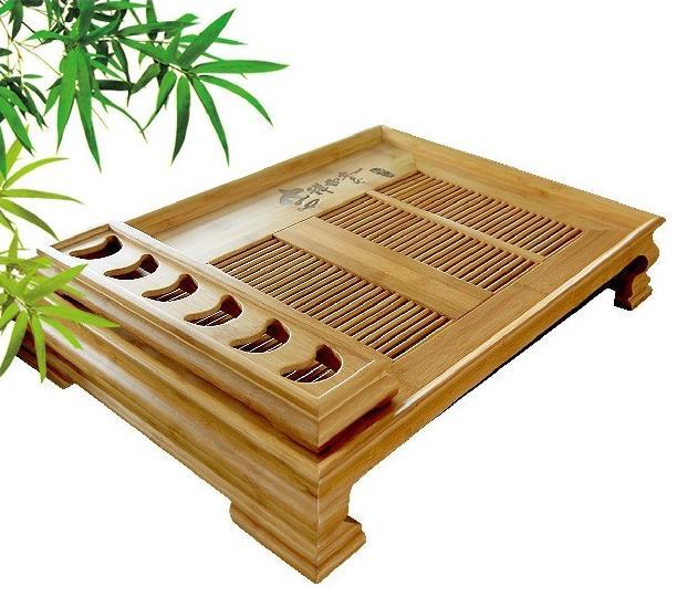 Un modelo de madera de bambú, de estilo colonial.