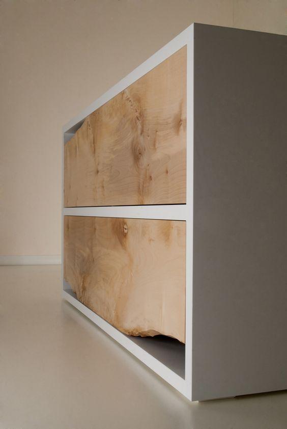 Un aparador, que combina minimalismo y rusticidad en una sola pieza.