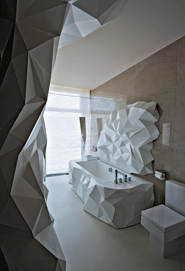La diseñadora Zara Krivulya, firma este original diseño en material acrílico.