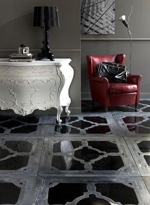 Una interesante mezcla de estilos y materiales diferentes, en este suelo.