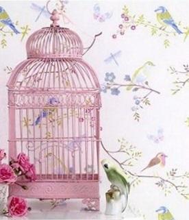 Un diseño clásico fabricado en metal, pintado en un romántico tono rosa.