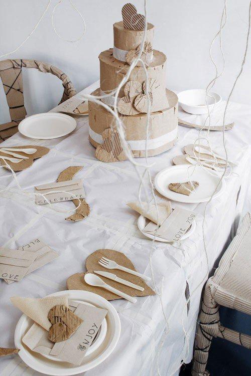 Decoración con materiales desechable como el papel, el cartón y el plástico.