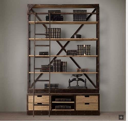 Estantería con estructura de hierro con esquineras y crucetas, combinada con baldas y cajones de madera recuperada.