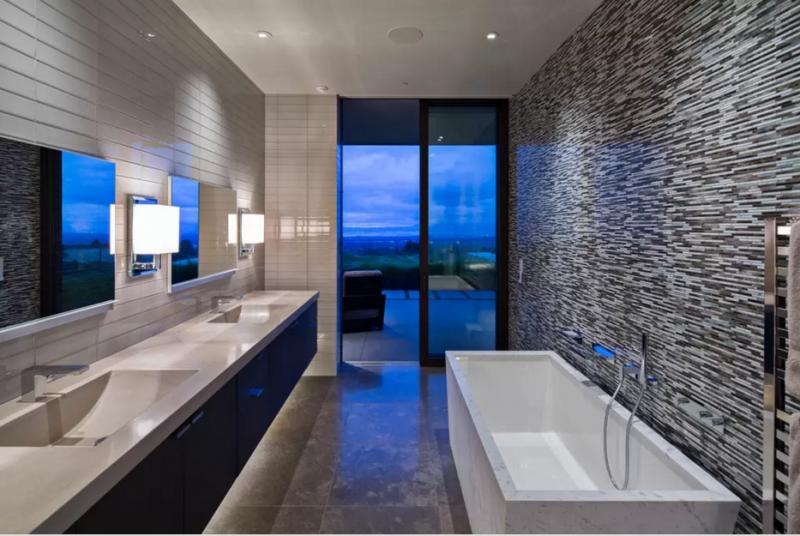 Siguiendo con los baños, vemos este otro diseño, que como todos en la vivienda tienen salida al exterior.