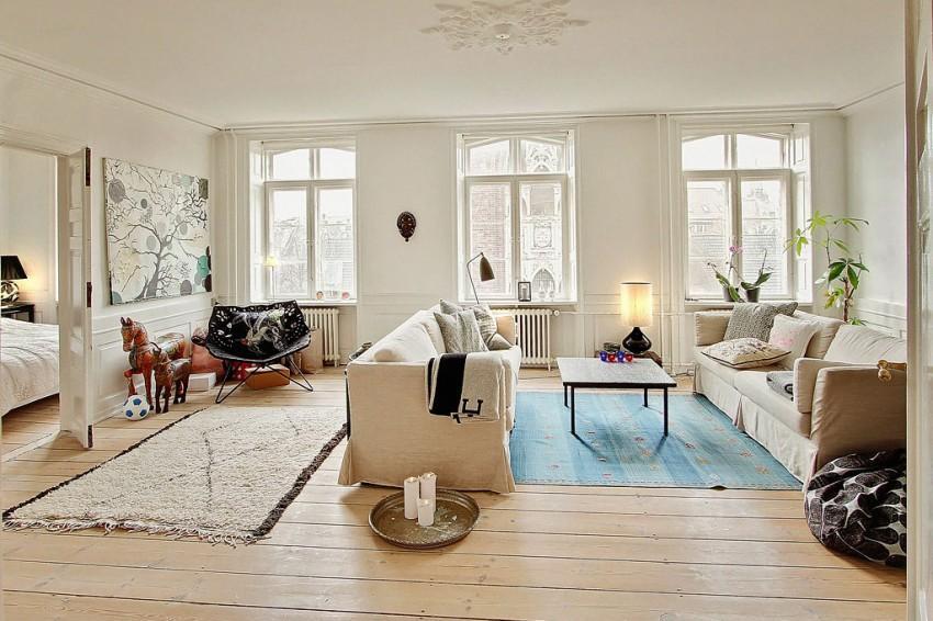 Un apartamento en Dinamarca, con predominio del color blanco.