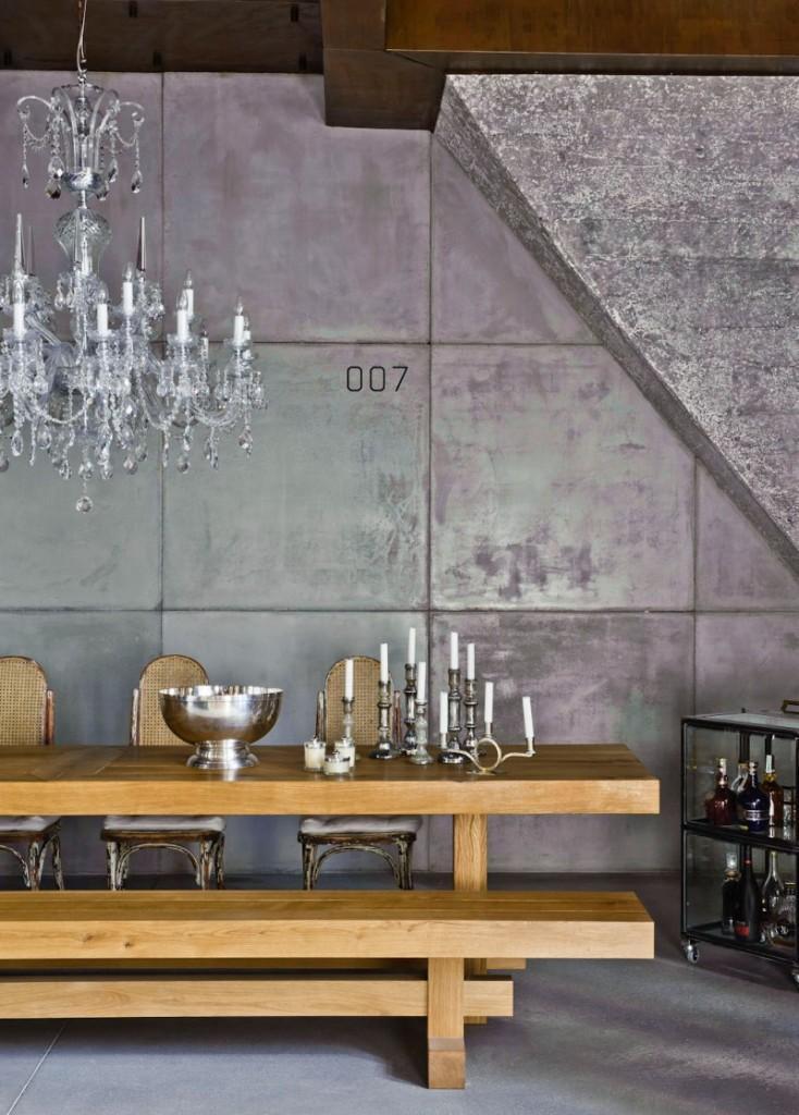 La zona de comedor, con una ecléctica mezcla de mobiliario.