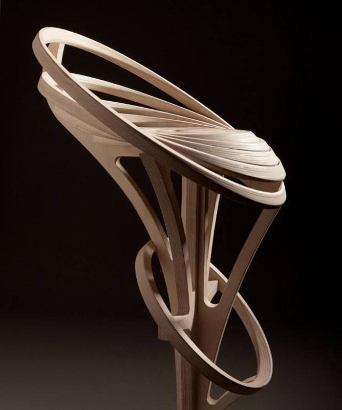 Una muestra de lo que se puede hacer, con madera laminada curvada.