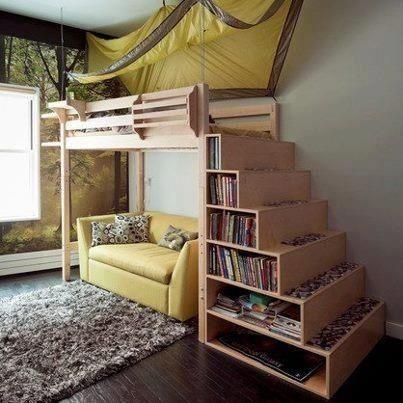Tres en uno, cama, espacio para el sofá y escalones con zona de almacenaje.