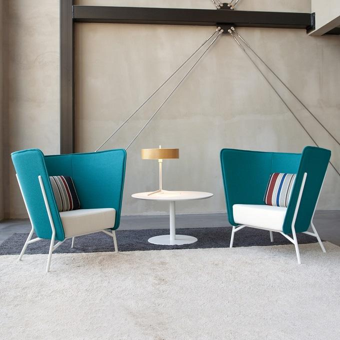 El diseñador Mikko Laakkonen, crea este sillon de la colección Aura