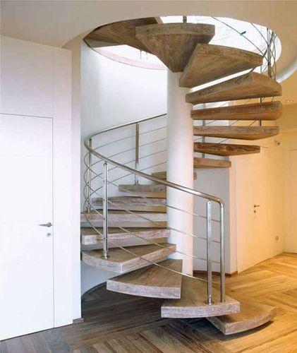12 fant sticas escaleras de caracol for Decorar escalera caracol