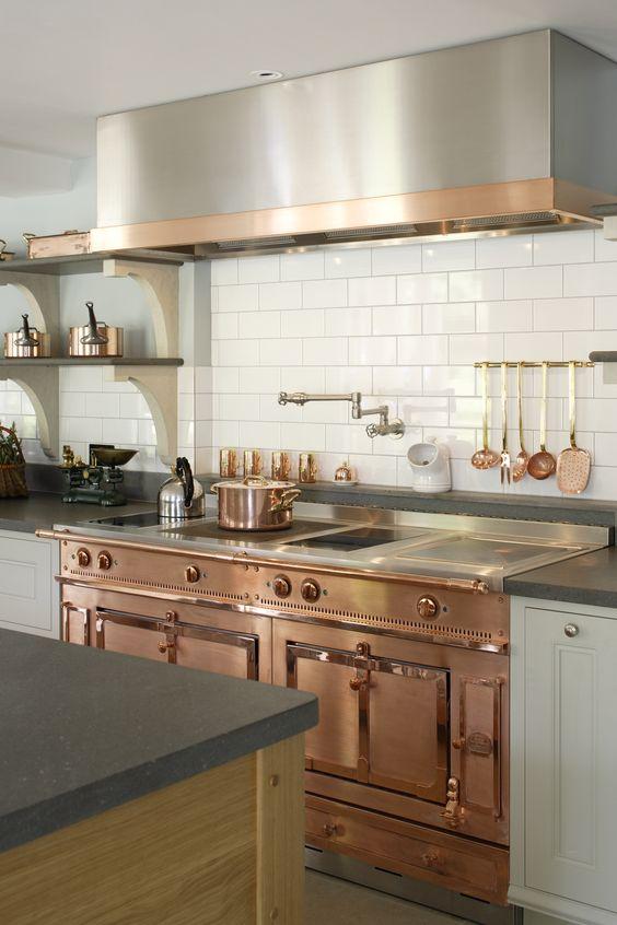 Una cocina, con un diseño similar a los de principios del siglo pasado.