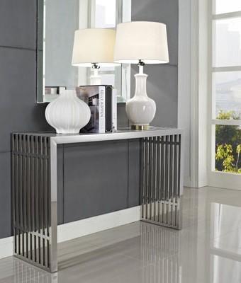 Sobrio y de líneas limpias, se presenta este diseño minimalista.