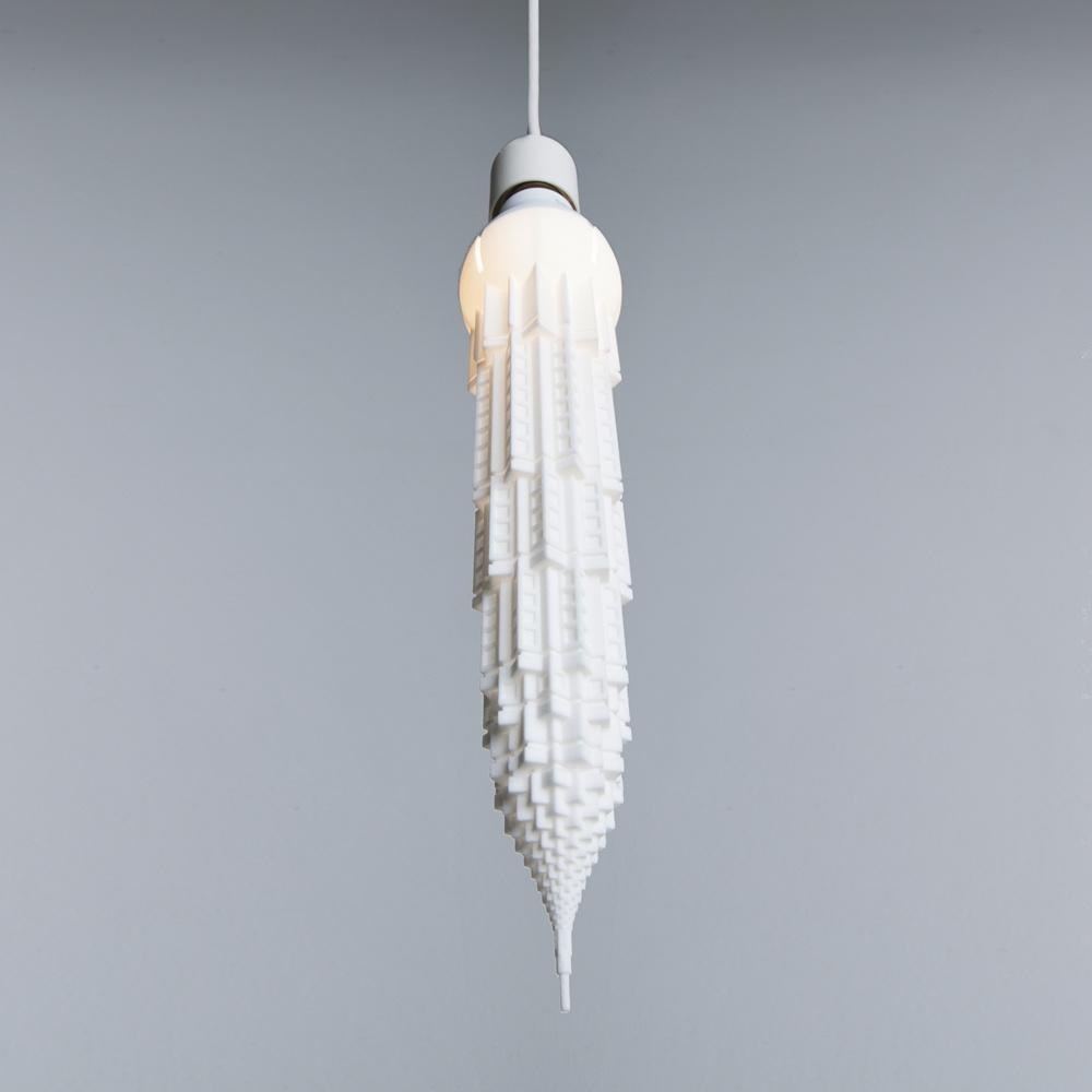 Esta lámpara pertenece a una colección, inspirada en los rascacielos.
