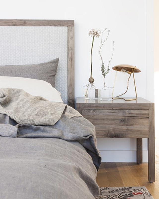Una gama de grises muy acogedora para el dormitorio.