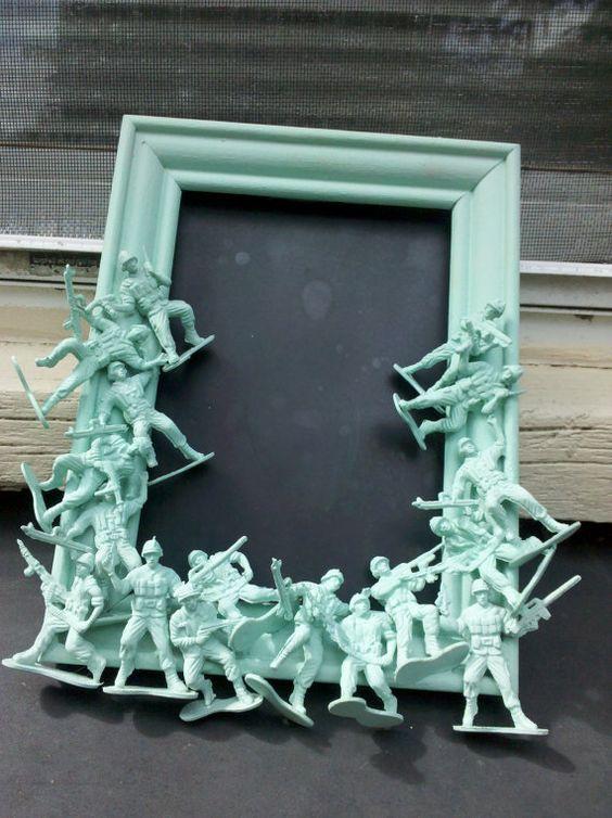 Un diseño que da una nueva oportunidad, a esos soldados de plástico de tus hijos.