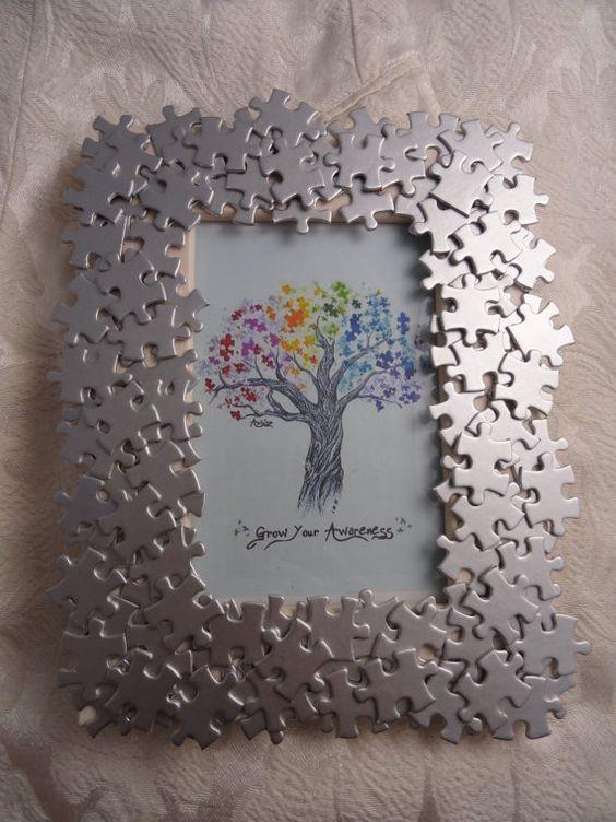 Otro divertido diseño fabricado con piezas de puzzle.