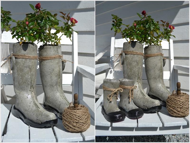 Originales maceteros de jardín que imita botas de agua.