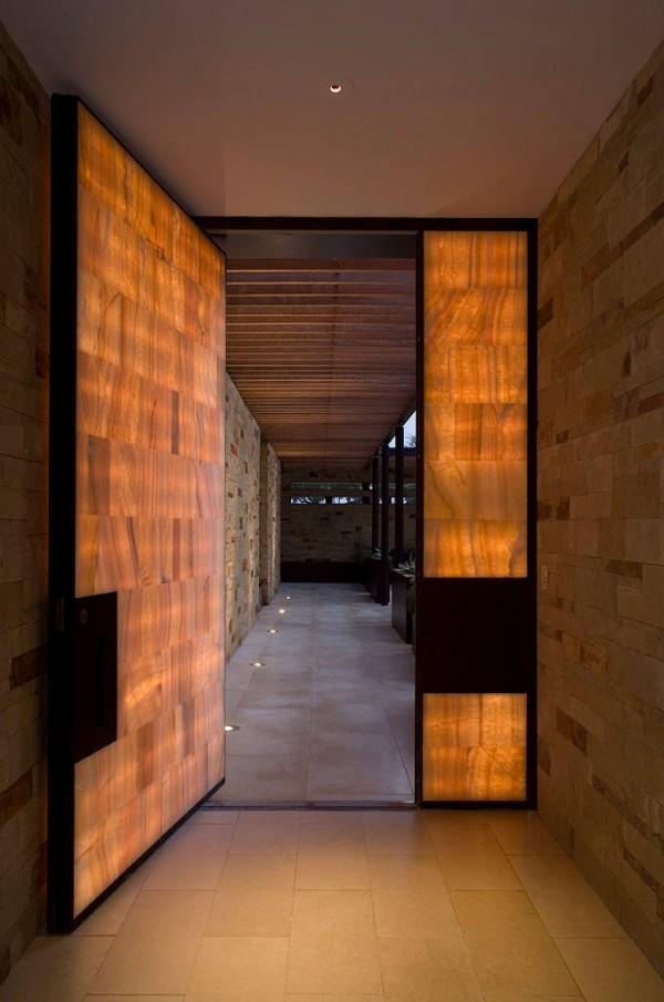 10 puertas de entrada de dise o - Maison contemporaine dick clark architecture ...