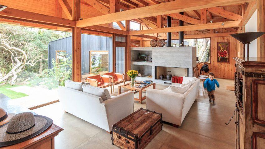 Entre lo industrial y lo contemporáneo, se mueve el estilo decorativo de este espacio.
