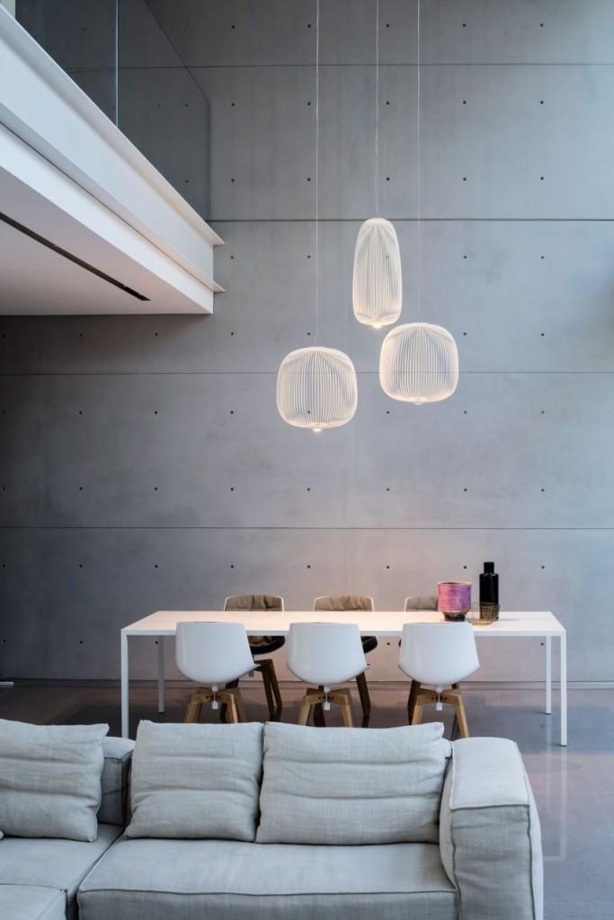 Una imagen de la zona dedicada al comedor, de marcado estilo minimalista.