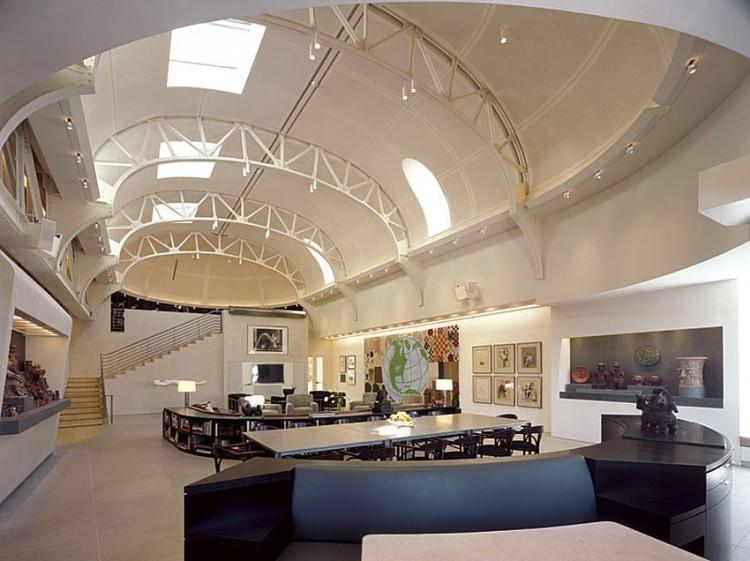 Blanco como tono base, en la decoración de este excepcional espacio.