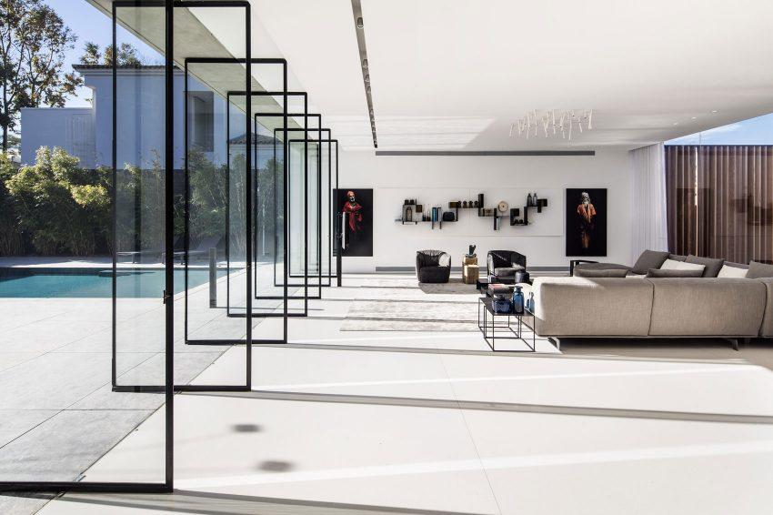 Otra imagen que muestra gráficamente que todo el salón queda abierto al exterior.