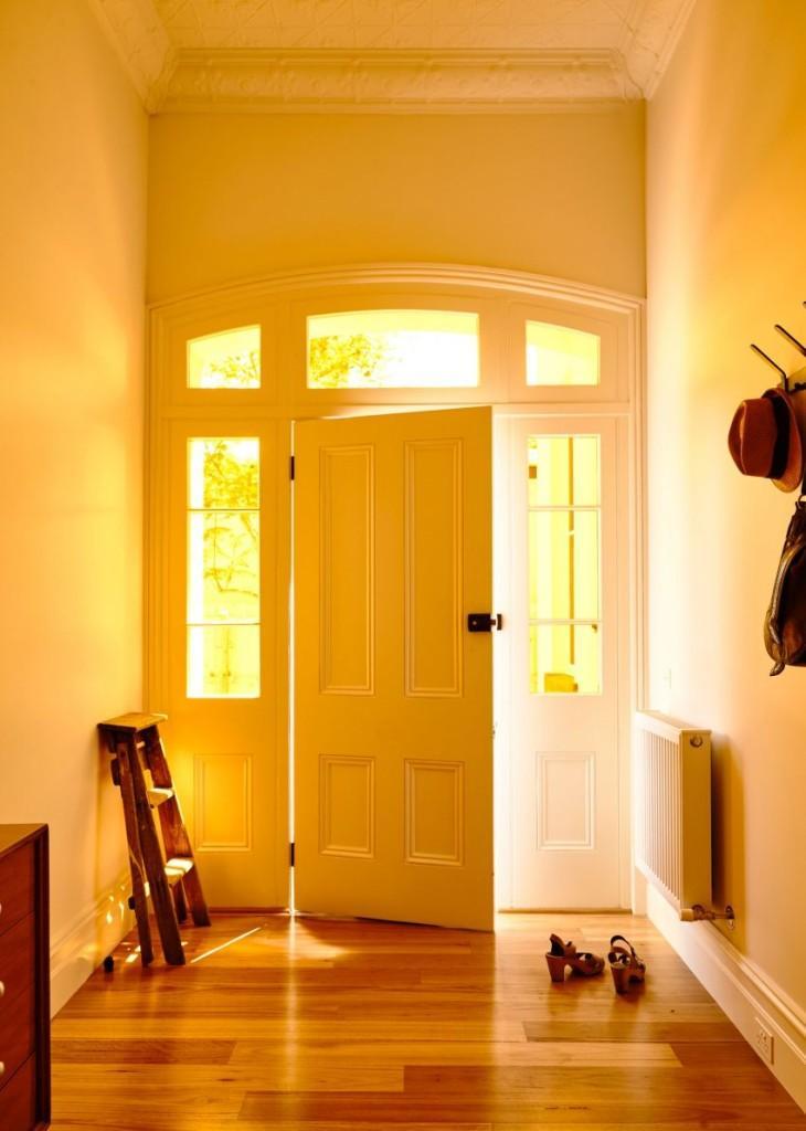 Sencillez decorativa, en el clásico recibidor.