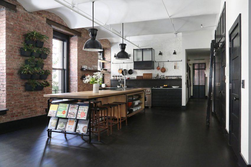 También de estilo industrial, los acabados de esta cocina.