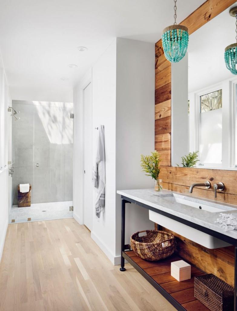 Sencillez y rusticidad en los cuartos de baño.