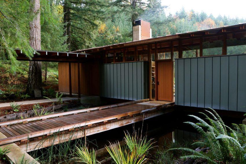 Los ventanales altos además de aportar luz natural, permiten una adecuada ventilación de la vivienda.