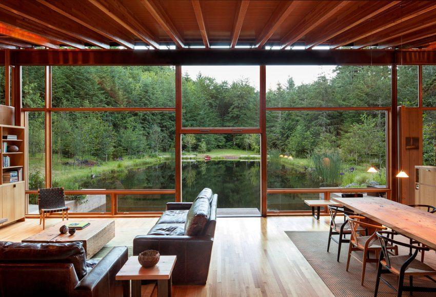 El exterior es el protagonista en esta original vivienda.