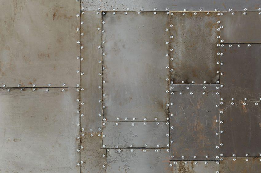 Imagen de las placas metálicas.
