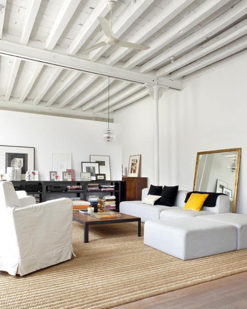 Los tonos claros combinados con la madera y acero de estilo industrial.
