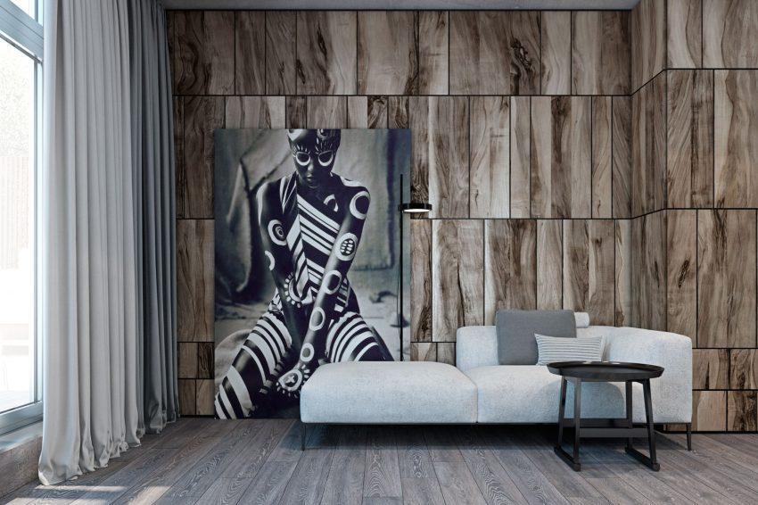Esta singular obra de arte, decora una de las paredes del moderno salón.