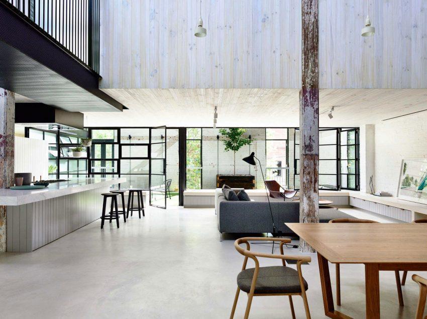 Imagen general de parte del espacio diáfano de esta vivienda.