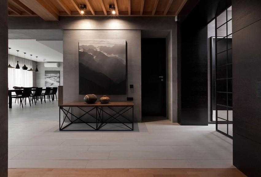 Un suelo de madera pintado de color blanco grisáceo.