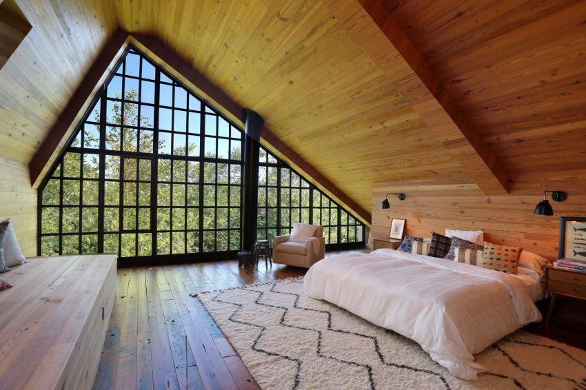 Los grandes ventanales también forman parte de los dormitorios.