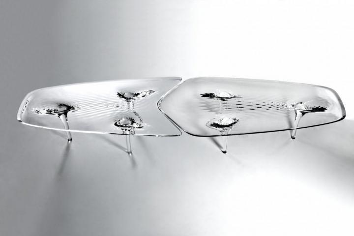 Mesa liquida Glacial- diseñada por la arquitecta Zaha Hadid de estilo contemporáneo.