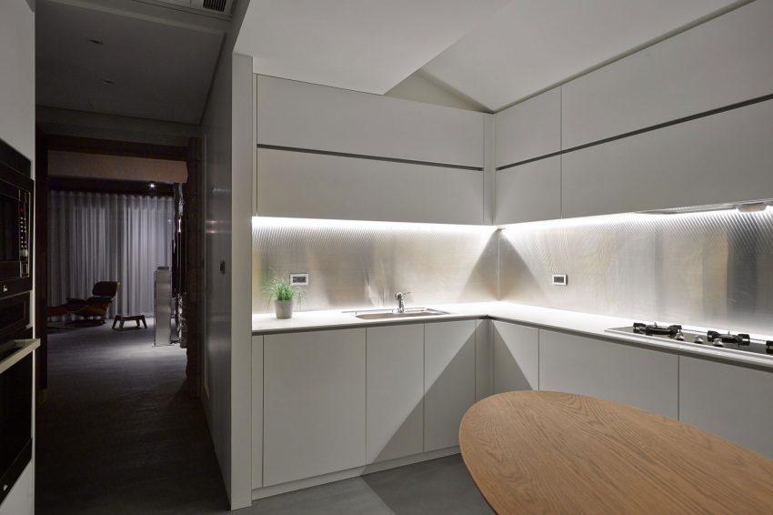 Esta es otra cocina con la que cuenta este apartamento.