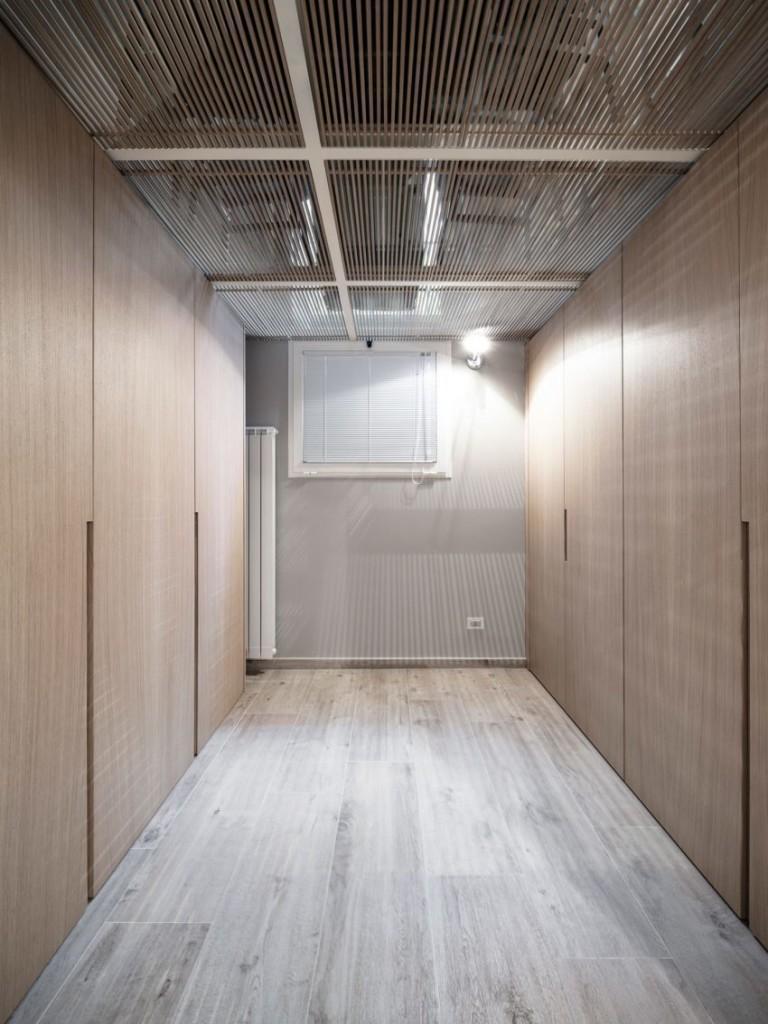 Imagen del vestidor, frente al dormitorio principal.