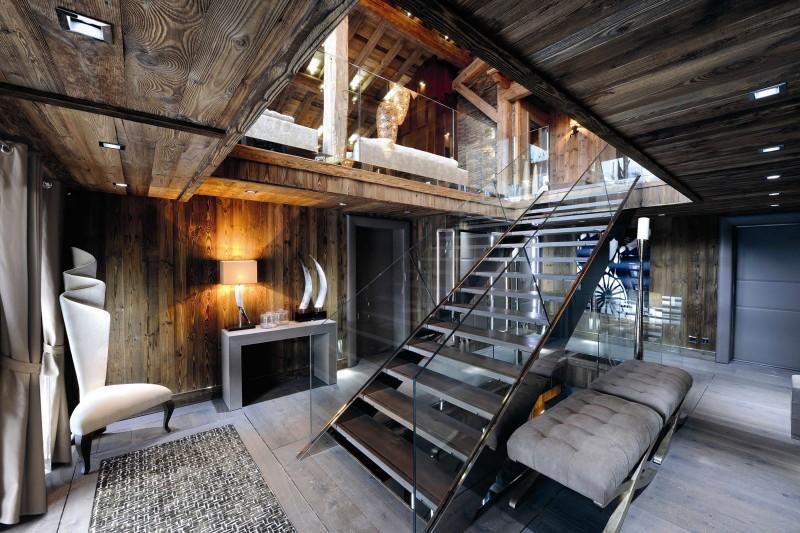 Imagen de la moderna escalera.