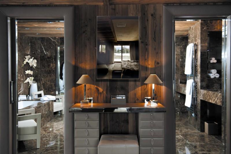 Imagen del cuarto de baño del dormitorio principal.