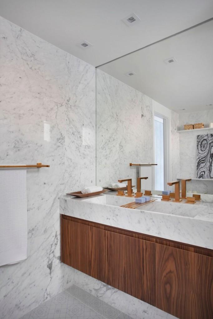 Imagen de uno de los cuartos de baño.