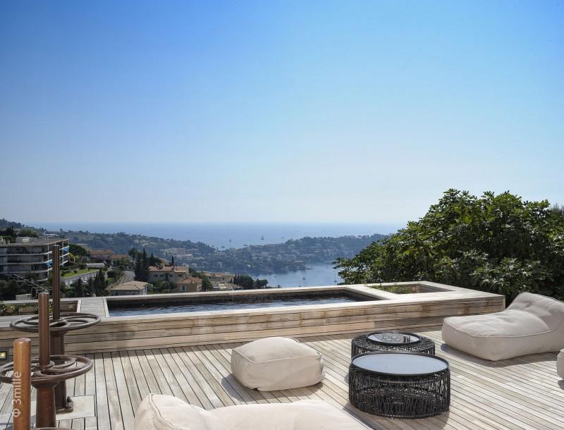 Un espacio diseñado para el ocio, en el exterior de la vivienda.