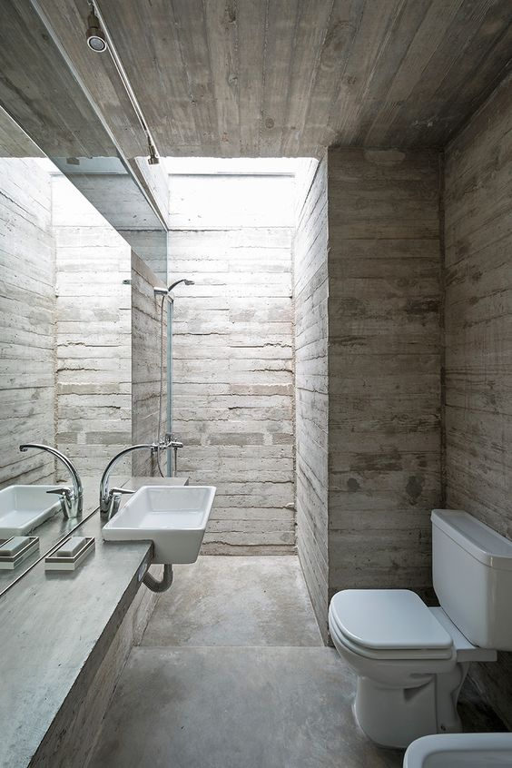 Un diseño con un fuerte contraste de materiales.