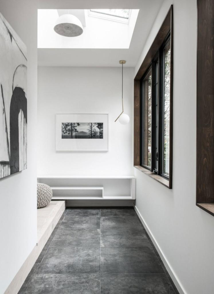 Espacios de marcado estilo minimalista, con el toque de la madera que le aporta calidez.