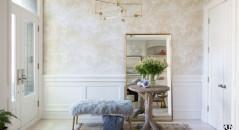 Entrada principal, llena de decoración ligera y elegante
