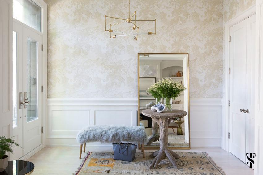 Entrada principal, basada en una ecléctica decoración ligera y elegante.