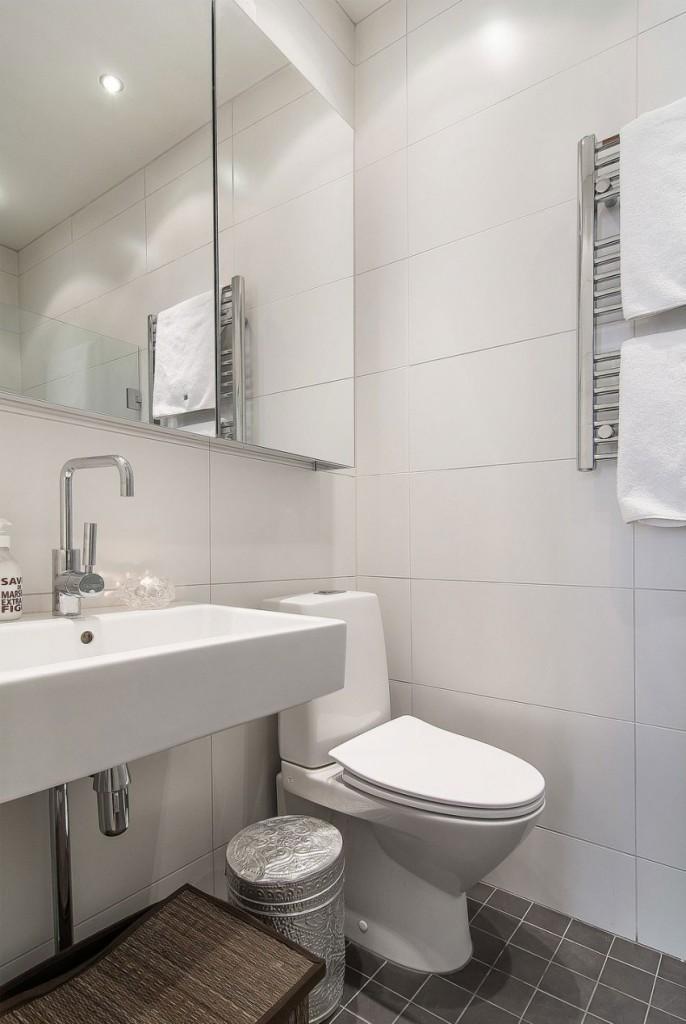 Imagen del cuarto de baño, del pequeño apartamento.